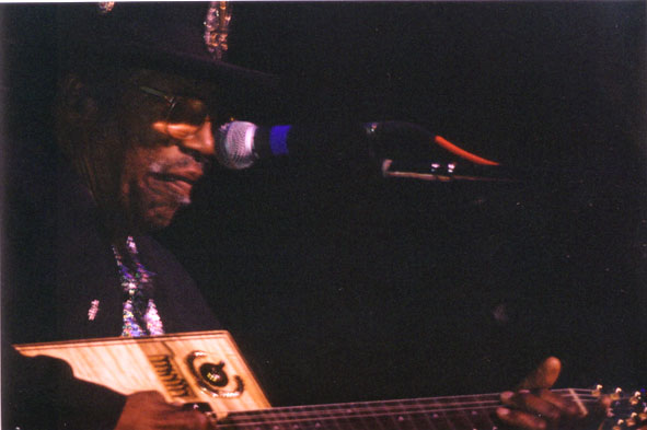 Bo Diddley playing in Tampa, FL